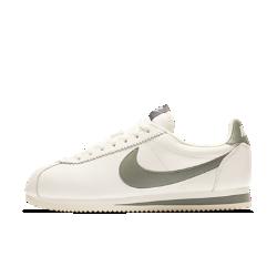 Мужские кроссовки Nike Classic Cortez Leather SEМужские кроссовки Nike Classic Cortez Leather SE — это новое исполнение бегового профиля с первоклассной кожей и рельефной накладкой Swoosh.<br>