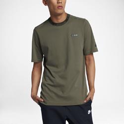 Мужская футболка с коротким рукавом Nike Sportswear Air MaxМужская футболка с коротким рукавом Nike Sportswear Air Max из мягкого хлопка дополнена ткаными накладками.<br>