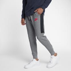 Мужские флисовые джоггеры Nike Sportswear AirМужские флисовые джоггеры Nike Sportswear Air из теплого флиса с зауженным кроем обеспечивают комфорт.<br>