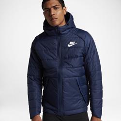 Мужская куртка Nike SportswearМужская куртка Nike Sportswear со стеганой конструкцией, наполнителем и молнией до подбородка обеспечивает тепло и комфорт в холодную погоду.<br>