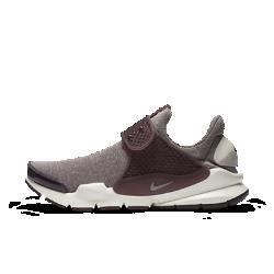 Женские кроссовки Nike Sock Dart SEУдобные и гибкие женские кроссовки Nike Sock Dart SE позволяют создать стильный минималистичный образ.<br>