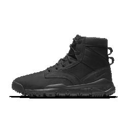Мужские ботинки Nike SFB Leather 15 смМужские ботинки Nike SFB Leather 15 см — первое появление модели Special Field Boot в коллекции Nike Sportswear в линейке SneakerBoot с верхом из кожи c водоотталкивающим покрытием и подметкой срельефным рисунком.  Забудь о непогоде  Прочный нубук с водонепроницаемым покрытием защищает от дождя и снега.  Мягкость и комфорт  Мягкая стелька и инжектированная подошва из материала Phylon обеспечивают легкость, амортизацию и комфорт в любой ситуации.  Улучшенное сцепление  Подметка с рельефным рисунком протектора и резиновыми секциями в ключевых зонах создает сцепление с различными поверхностями.<br>