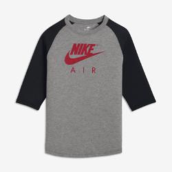 Футболка длиной 3/4 для мальчиков школьного возраста Nike AirФутболка длиной 3/4 для мальчиков школьного возраста Nike Air из мягкой трехкомпонентной ткани обеспечивает длительный комфорт.<br>