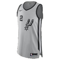 Мужское джерси Nike НБА Kawhi Leonard Statement Edition Authentic (San Antonio Spurs) с технологией NikeConnectСозданное на основе классического баскетбольного джерси мужское джерси Nike НБА Statement Edition Swingman (San Antonio Spurs) с технологией NikeConnect выполнено из влагоотводящей ткани двойного переплетения и дополнено элементами, подчеркивающими твою любовь к игре.  ВОЙДИ В ИГРУ  Джерси Nike НБА с технологией NikeConnect дает удобный доступ к информации об атлетах и уникальных предложениях, а также шанс стать ближе к любимой игре. Загрузи приложение NikeConnect и отсканируй этикетку на нижней кромке своего джерси с помощью смартфона.  ЛЕГКОСТЬ И КОМФОРТ  Легкая и прочная сетка двойного переплетения для охлаждения.  КОМФОРТ  Технология Dri-FIT отводит влагу и обеспечивает комфорт.<br>