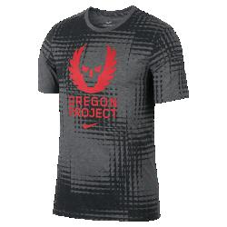 """Мужская беговая футболка Nike Dry """"Oregon Project""""Мужская беговая футболка Nike Dry """"Oregon Project"""" из мягкой влагоотводящей ткани обеспечивает длительный комфорт во время бега, а фирменные элементы отдают дань уважениянаследию проекта.<br>"""