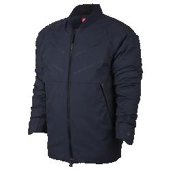 Мужская куртка Nike Sportswear AeroLoftЛегкая мужская куртка Nike Sportswear AeroLoft обеспечивает защиту от холода. В ней сочетаются дышащий наполнитель, водоотталкивающее покрытие и классический силуэт.  Тепло и воздухопроницаемость  Технология Nike AeroLoft обеспечивает тепло, не допуская перегрева. Перфорация между отсеками с наполнителем отводит излишки тепла.<br>
