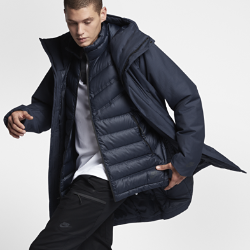 Мужская куртка Nike Sportswear Tech AeroLoft 3-in-1Мужская куртка Nike Sportswear Tech AeroLoft 3-in-1 помогает адаптироваться к любой погоде. Влагонепроницаемый внешний слой и внутренний жилет с наполнителем можно носить вместеили отдельно.  Защита от дождя  Внешняя куртка с удлиненным кроем и внутренний жилет дополнены влагонепроницаемым покрытием для абсолютной защиты от дождя.  Тепло и воздухопроницаемость  Внутренний жилет с технологией Nike Tech AeroLoft обеспечивает тепло, не допуская перегрева. Перфорация между отсеками с наполнителем отводит излишки тепла.  Универсальность  Внешнюю куртку можно отстегнуть от внутреннего жилета, когда станет тепло.<br>