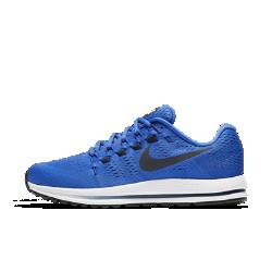 Мужские беговые кроссовки Nike Air Zoom Vomero 12Мужские беговые кроссовки Nike Air Zoom Vomero 12 обеспечивают мягкую и упругую амортизацию для новых рекордов скорости.  Мягкость  Мягкий бортик обеспечивает поддержку голеностопа, а толстые подошва и стелька отвечают за непревзойденно мягкую амортизацию.  Оптимальная амортизация  Вставки Nike Zoom Air в области пятки и в передней части обеспечивают упругую амортизацию для комфорта во время бега.  Защита от ударных нагрузок  Более легкая и прочная подметка обеспечивает больший возврат энергии в сравнении с предыдущими версиями. Защитный барьер Crashrail из обновленной резины смягчает ударные нагрузки.<br>