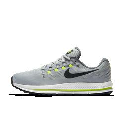 Мужские беговые кроссовки Nike Air Zoom Vomero 12 (на очень широкую ногу)Мужские беговые кроссовки Nike Air Zoom Vomero 12 обеспечивают мягкую и упругую амортизацию для новых рекордов скорости.<br>