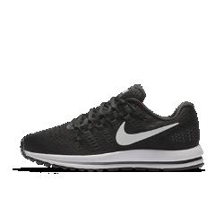 Женские беговые кроссовки Nike Air Zoom Vomero 12Женские беговые кроссовки Nike Air Zoom Vomero 12 обеспечивают мягкую и упругую амортизацию для новых рекордов скорости.<br>