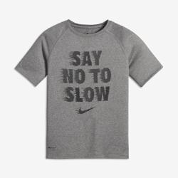 """Футболка для мальчиков школьного возраста Nike Dry """"Say No To Slow""""Футболка для мальчиков школьного возраста Nike Dry """"Say No To Slow"""" из влагоотводящей ткани обеспечивает комфорт.<br>"""