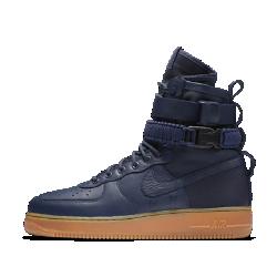 Мужские ботинки Nike SF Air Force 1Самая совершенная версия AF1: мужские ботинки Nike SF Air Force 1. Эта обувь, вдохновленная ботинками Nike Special Field, привносит стиль «милитари» в повседневную жизнь.<br>