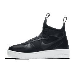 Женские кроссовки Nike Air Force 1 UltraForce MidЖенские кроссовки Nike Air Force 1 UltraForce Mid с дышащей внутренней вставкой, ультралегкой амортизацией и светоотражающими элементами выводят классическую модель на новый уровень.  Воздухопроницаемость  Внутренняя вставка из сетки для улучшенной циркуляции воздуха. А также позволяет легко снимать и надевать кроссовки.  Самые легкие AF1  Продуманное расположение особых полостей в прочной подошве из пеноматериала для легкости и гибкости. Цельная подошва снижает вес кроссовок, делая модель самой легкой в линейке Air Force 1.<br>