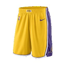 Мужские шорты НБА Los Angeles Lakers Nike Icon Edition SwingmanСозданные на основе аутентичных шорт НБА мужские шорты Los Angeles Lakers Nike Icon Edition Swingman из влагоотводящей ткани двойного переплетения с фирменными деталями демонстрируют твою любовь к игре. Преимущества  Легкая и прочная ткань двойного переплетения с сетчатой текстурой Разрезы в нижней кромке сбоку для полной свободы движений Дизайн на основе классических баскетбольных шорт Технология Dri-FIT отводит влагу и обеспечивает комфорт  Информация о товаре  Состав: 100% полиэстер Машинная стирка Импорт<br>