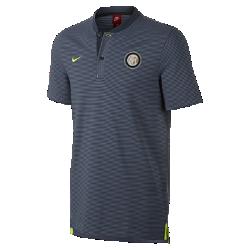 Мужская рубашка-поло Inter Milan Modern Authentic Grand SlamМужская рубашка-поло Inter Milan Modern Authentic Grand Slam из мягкого смесового хлопка дополнена тканой накладкой с символикой команды.<br>