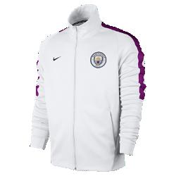 Мужская футбольная куртка Manchester City FC FranchiseМужская футбольная куртка Manchester City FC Franchise из мягкой и прочной ткани двойного переплетения с фирменными деталями обеспечивает комфорт на весь день.<br>