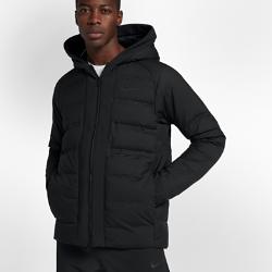 Мужская баскетбольная куртка Nike AeroLoft LeBronВЕНТИЛЯЦИЯ, ЛЕГКОСТЬ И ТЕПЛО. ТЕПЛАЯ МОДЕЛЬ В СТИЛЕ ЛЕБРОНА  Идеальная для игры и на каждый день мужская баскетбольная куртка Nike AeroLoft LeBron из первоклассных материалов с разной текстурой обеспечивает свободу движений и теплобез перегрева.  Легкость и тепло  Технология Nike AeroLoft обеспечивает легкость, тепло и вентиляцию там, где это необходимо, для полного комфорта в холодную погоду. Капюшон продуманной формы с системой теплоизоляции не ограничивает обзор.  Отведение влаги  Водоотталкивающее покрытие защищает от моросящего дождя во время игр и прогулок.  Свобода движений  Рубчатая эластичная ткань на задней части плеч, в области подмышек и других зонах обеспечивает свободу движений на площадке за ее пределами. Рукава особой формы с манжетами из эластичной ткани не мешают при ведении мяча.<br>
