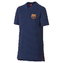 Рубашка-поло для школьников FC Barcelona Modern Authentic Grand SlamРубашка-поло для школьников FC Barcelona Modern Authentic Grand Slam из мягкого смесового хлопка дополнена тканой накладкой с символикой команды.<br>