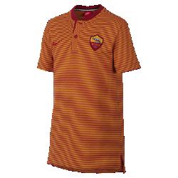 Рубашка-поло для школьников A.S. Roma Modern Authentic Grand SlamРубашка-поло для школьников A.S. Roma Modern Authentic Grand Slam из мягкого смесового хлопка дополнена тканой накладкой с символикой команды.<br>