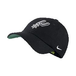 Бейсболка НБА унисекс San Antonio Spurs Nike Heritage86Бейсболка НБА унисекс San Antonio Spurs Nike Heritage86 из фланелевой ткани с классической конструкцией из шести панелей обеспечивает тепло и оптимальный комфорт. Преимущества  Легкая фланелевая ткань для тепла Кожаный ремешок сзади с металлической пряжкой для регулируемой посадки Передние панели с подкладкой для мягкости и комфорта  Информация о товаре  Состав: основа: 51% шерсть/49% вискозное волокно Удаление пятен вручную Импорт<br>