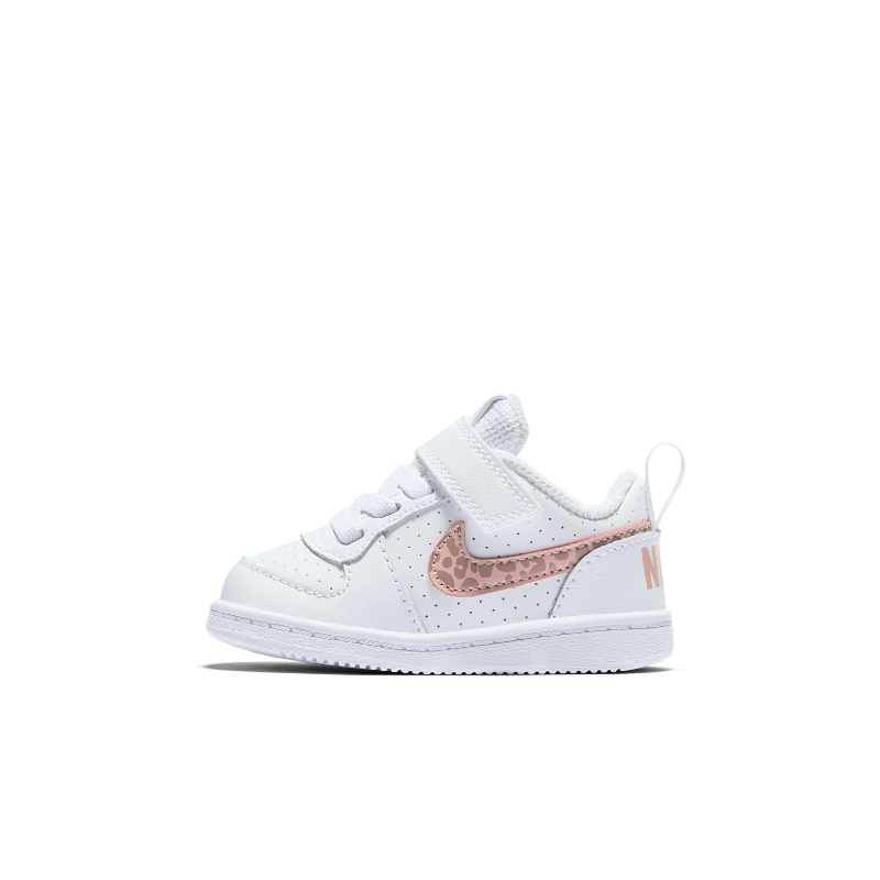 detailed look 03a57 36031 NikeCourt Borough Low Younger Kids  Shoe - White Image