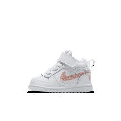 Кроссовки для малышей Nike Court Borough MidКроссовки для малышей NikeCourt Borough Mid — новая версия классической модели в баскетбольном стиле с бортиком средней высоты для комфорта и поддержки на каждый день.<br>