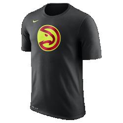 Мужская футболка НБА Atlanta Hawks Nike Dry LogoМужская футболка НБА Atlanta Hawks Nike Dry Logo из влагоотводящей ткани Dri-FIT обеспечивает комфорт во время игры и на каждый день. Преимущества  Ткань Nike Dry отводит влагу и обеспечивает комфорт Горловина из рубчатой ткани для дополнительной прочности  Информация о товаре  Печатный логотип команды с блестящими акцентами Состав: 58% хлопок/42% полиэстер Машинная стирка Импорт<br>