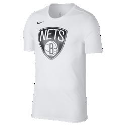 Мужская футболка НБА Brooklyn Nets Nike Dry LogoМужская футболка НБА Brooklyn Nets Nike Dry Logo из ткани Dri-FIT, украшенной символикой команды, обеспечивает комфорт во время игры и на каждый день. Преимущества  Ткань Nike Dry отводит влагу и обеспечивает комфорт Горловина из рубчатой ткани для дополнительной прочности  Информация о товаре  Печатный логотип команды с блестящими акцентами Состав: 58% хлопок/42% полиэстер Машинная стирка Импорт<br>