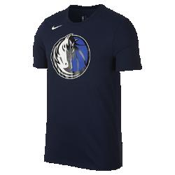 Мужская футболка НБА Dallas Mavericks Nike Dry LogoМужская футболка НБА Dallas Mavericks Nike Dry Logo из ткани Dri-FIT, украшенной символикой команды, обеспечивает комфорт во время игры и на каждый день. Преимущества  Ткань Nike Dry отводит влагу и обеспечивает комфорт Горловина из рубчатой ткани для дополнительной прочности  Информация о товаре  Печатный логотип команды с блестящими акцентами Состав: 58% хлопок/42% полиэстер Машинная стирка Импорт<br>