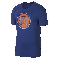 Мужская футболка НБА New York Knicks Nike Dry LogoМужская футболка НБА New York Knicks Nike Dry Logo из ткани Dri-FIT, украшенной символикой команды, обеспечивает комфорт во время игры и на каждый день. Преимущества  Ткань Nike Dry отводит влагу и обеспечивает комфорт Горловина из рубчатой ткани для дополнительной прочности  Информация о товаре  Печатный логотип команды с блестящими акцентами Состав: 58% хлопок/42% полиэстер Машинная стирка Импорт  Информация о товаре  Печатный логотип команды с блестящими акцентами Состав: 58% хлопок/42% полиэстер Машинная стирка Импорт<br>