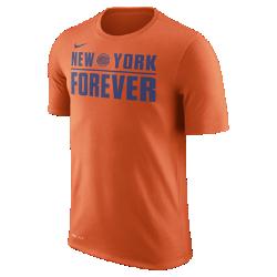 Мужская футболка НБА New York Knicks Nike DryМужская футболка НБА New York Knicks Nike Dry из влагоотводящей ткани Dri-FIT обеспечивает комфорт, когда ты играешь или болеешь за любимую команду. Преимущества  Ткань Nike Dry отводит влагу и обеспечивает комфорт Горловина из рубчатой ткани для дополнительной прочности  Информация о товаре  Состав: 65% хлопок/35% полиэстер Машинная стирка Импорт<br>