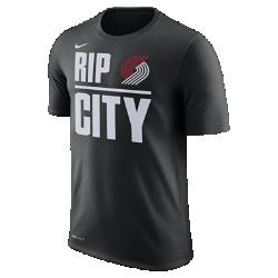 Мужская футболка НБА Portland Trail Blazers Nike DryМужская футболка НБА Portland Trail Blazers Nike Dry из влагоотводящей ткани Dri-FIT обеспечивает комфорт, когда ты играешь на площадке или болеешь за любимую команду. Преимущества  Ткань Nike Dry отводит влагу и обеспечивает комфорт Горловина из рубчатой ткани для дополнительной прочности  Информация о товаре  Состав: 65% хлопок/35% полиэстер Машинная стирка Импорт  Информация о товаре  Состав: 65% хлопок/35% полиэстер Машинная стирка Импорт<br>