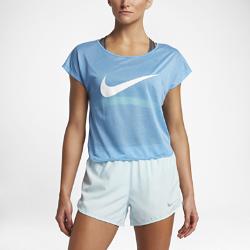 Женская беговая футболка с коротким рукавом Nike (City)Женская беговая футболка с коротким рукавом Nike (City) из дышащей влагоотводящей ткани со свободным кроем обеспечивает комфорт и свободу движений на всей дистанции.<br>