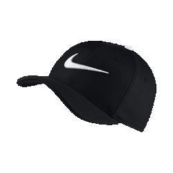 Кепка для тренинга для школьников Nike AeroBill Classic 99Кепка для тренинга для школьников Nike AeroBill Classic 99 с легкой конструкцией из влагоотводящего материала позволяет регулировать посадку.<br>