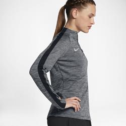 Женская игровая футболка Nike Dry Squad DrillЖенская игровая футболка Nike Dry Squad Drill из влагоотводящей ткани с рукавами покроя реглан обеспечивает комфорт и свободу движений.<br>