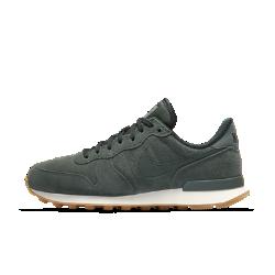 Женские кроссовки Nike Internationalist SEНевероятно легкие женские кроссовки Nike Internationalist Print — новое исполнение оригинальной модели 1982 года с безупречной амортизацией и первоклассными материалами.<br>