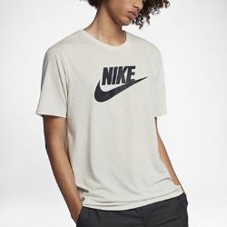 Мужская футболка Nike SportswearМужская футболка Nike Sportswear из мягкого смесового хлопка обеспечивает комфорт на весь день.<br>