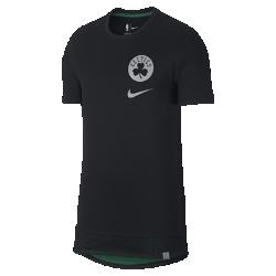 Мужская футболка НБА Boston Celtics NikeМужская футболка НБА Boston Celtics Nike из мягкого хлопка с двухслойной нижней кромкой и удобной посадкой обеспечивает комфорт на трибуне или на площадке. Информация о товаре  Удлиненная нижняя кромка яркого цвета видна под вставкой из сетки Светоотражающая графика на груди слева Состав: 100% хлопок Машинная стирка Импорт<br>