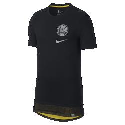 Мужская футболка НБА Golden State Warriors NikeМужская футболка НБА Golden State Warriors из мягкого дышащего хлопка со свободной посадкой обеспечивает комфорт. Удлиненная нижняя кромка яркого цвета видна под слоем из сетки. Преимущества  Мягкий дышащий хлопок для комфорта. Удлиненная нижняя кромка яркого цвета видна под вставкой из сетки. Светоотражающая графика слева на груди.<br>