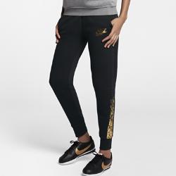 Женские брюки Nike Sportswear RallyThe Nike Sportswear Rally Womens Metallic Pantsare made with soft fleece for all-day comfort.<br>