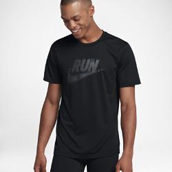 Мужская беговая футболка Nike Dry LegendМужская беговая футболка Nike Dry Legend из влагоотводящей ткани обеспечивает комфорт во время бега.<br>
