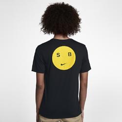 Мужская футболка Nike SB Dry SmileyМужская футболка Nike SB Dry Smiley из влагоотводящей ткани обеспечивает комфорт. Карман на груди для важных мелочей.<br>
