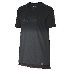 Женская футболка НБА Los Angeles Lakers Nike DryЖенская футболка НБА Los Angeles Lakers Nike Dry из мягкой влагоотводящей ткани с яркой графикой и светоотражающими деталями в стиле команды обеспечивает комфорт на весь день. Преимущества  Ткань Nike Dry отводит влагу и обеспечивает комфорт Удлиненная сзади нижняя кромка для дополнительной защиты  Информация о товаре  Светоотражающая этикетка с символикой команды на нижней кромке Состав: 75% полиэстер/13% хлопок/12% вискозное волокно Машинная стирка Импорт<br>