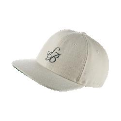 Бейсболка с застежкой Nike SB Heritage 86Бейсболка Nike SB Heritage 86 с классическим силуэтом, стильной надписью и регулируемой застежкой сзади обеспечивает идеальную посадку.<br>