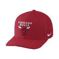 <ナイキ(NIKE)公式ストア>シカゴ ブルズ ナイキ エアロビル クラシック99 ユニセックス アジャスタブル NBA キャップ 878036-657 レッド画像