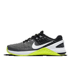 Женские кроссовки для тренинга Nike Metcon DSX FlyknitЛегкие женские кроссовки для тренинга Nike Metcon DSX Flyknit созданы для самых интенсивных тренировок&amp;#8212;от упражнений с канатом и у стены до бега на короткие дистанции и поднятия веса.<br>