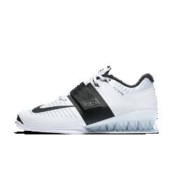 Женские кроссовки для тяжелой атлетики Nike Romaleos 3Женские кроссовки для тяжелой атлетики Nike Romaleos 3 созданы для тренировок с весом. Супинатор в форме медовых сот обеспечивает невесомую стабилизацию, а технология Flywire и нейлоновый ремешок фиксируют стопу во время интенсивных тренировок.<br>