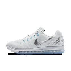 Женские беговые кроссовки Nike Zoom All Out LowЖенские беговые кроссовки Nike Zoom All Out Low с одной из самых эффективных технологий Nike для мгновенной амортизации созданы для пробежек на самой высокой скорости. Легкаяподдерживающая конструкция обеспечивает комфорт на всей дистанции. Благодаря минималистичному дизайну кроссовки подходят не только для бега, но и для повседневной жизни.  Скорость и стабилизация  Вставка Zoom Air длиной 3/4 создает превосходную мгновенную амортизацию. Когда стопа касается земли, вставка Zoom Air быстро принимает исходную форму, возвращая энергию при каждом шаге. Чем быстрее ты бежишь, тем больше возврат энергии. Эта версия вставки Zoom Air шире классической, и поэтому она обеспечивает повышенную стабилизацию.  Воздухопроницаемость и комфорт  Легкий материал Flymesh пропускает воздух, предотвращая перегрев.  Невероятная легкость и поддержка  Легкие, но прочные нити Flywire охватывают боковые части стопы. Чем сильнее ты затягиваешь шнурки, тем больше поддержки дает технология Flywire, — это особенно полезно, если тебе нужна максимальная скорость.<br>