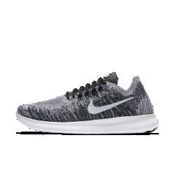Женские беговые кроссовки Nike Free RN Flyknit 2017Женские беговые кроссовки Nike Free RN Flyknit 2017 — самые легкие и создающие самые естественные ощущения кроссовки в линейке Free, идеальные для коротких пробежек. Плотно прилегающий верх обхватывает стопу и практически не ощущается на ноге, а инновационная подошва не ограничивает естественные движения стопы. А складывающаяся конструкция позволяет носить кроссовки в сумке, так что ты можешь совершить пробежку, когда захочешь.  Плотная удобная посадка  Верх из материала Flyknit повторяет форму стопы, обеспечивая плотную посадку. Материал Flyknit усиливает вентиляцию в верхней части, создает поддержку в области пальцев иповышает эластичность на внешней части стопы, обеспечивая ощущение прохлады во время бега.  Свобода движений  Подошва Nike Free обеспечивает комфорт минималистичной беговой обуви. Она повторяет естественные движения стопы, расширяясь при каждом приземлении и принимая исходную форму при отталкивании.  Невероятная легкость и поддержка  Прочные, но очень легкие нити Flywire усиливают поддержку благодаря интеграции со шнурками. Отсутствие части нитей в верхней части шнуровки способствует более плавным движениям стопы и позволяет ни на что не отвлекаться.  Подробнее  Один шов на внутренней части пятки для гладкости и комфорта Скругленная пятка для комфорта и плавных движений стопы Подметка из пеноматериала с накладками из резины в передней части и в области пятки для прочности Вес: 178 г (женский размер 8) Перепад: 8 мм  Истоки Nike Free  Узнав, что спортсмены Стэнфордского университета тренируются босиком, три самых изобретательных и креативных сотрудника Nike взялись за разработку кроссовок, которые бы не ощущались на ноге и сидели, как вторая кожа. В течение четырех лет специалисты изучали биомеханику стопы во время бега. В результате им удалось определить естественный угол приземления стопы, давление и положение носка, что позволило дизайнерам Nike создать уникальные и гибкие беговые кроссовки професс