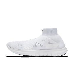 Женские беговые кроссовки Nike Free RN Motion Flyknit 2017Созданные для коротких тренировочных забегов женские беговые кроссовки Nike Free RN Motion Flyknit 2017 способствуют укреплению мышц стопы. Ультрагибкая инновационная подошваFree обеспечивает естественный комфорт при беге. Простая конструкция с двумя ремешками вместо шнуровки создает невероятно стильный образ, так что ты чувствуешь комфорт, стильно выглядишь и ощущаешь свободу движений при беге.  Плотная удобная посадка  Отворот средней высоты из материала Nike Flyknit для удобной плотной посадки от голеностопа до носка. Два перекрещивающихся ремешка из сетки обеспечивают удобную посадку в верхней части стопы, помогая избежать давления от традиционных шнурков. Особая конструкция повышает циркуляцию воздуха для ощущения прохлады.  Амортизация и поддержка  Два слоя пеноматериала — более мягкий непосредственно под стопой и более жесткий возле подметки — идеальное сочетание комфорта и поддержки для плавных движений стопы.  Свобода движений  Подошва Nike Free обеспечивает комфорт минималистичной беговой обуви. Она повторяет естественные движения стопы, расширяясь при каждом приземлении и принимая исходную форму при отталкивании.  Подробнее  Один шов на внутренней части пятки для гладкости и комфорта Скругленная пятка для комфорта и плавных движений стопы Подметка из пеноматериала с накладками из резины в передней части и в области пятки для прочности Вес: 183 г (женский размер 8) Перепад: 4 мм  Истоки Flyknit  При создании технологии Nike Flyknit специалисты опирались на просьбы атлетов создать обувь, которая бы практически не ощущалась на ноге и сидела словно вторая кожа. Команда программистов, инженеров и дизайнеров Nike в течение 4 лет разрабатывала технологию, которая позволит повысить износостойкость ткани для верха кроссовок и поможет ей дольше сохранять форму. Им удалось довести разработку до совершенства с учетом всех требований к поддержке, эластичности и воздухопроницаемости. Результатом работы стала суп